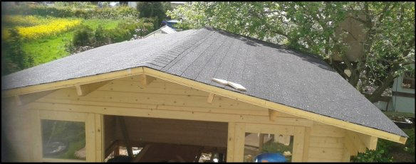 Log cabin roof