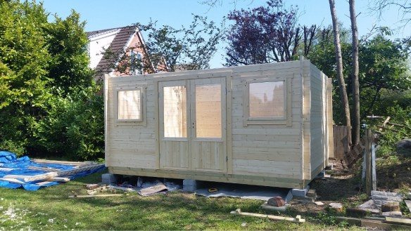 jenny-log-cabon-build-3