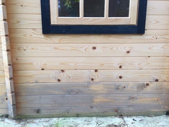 Bad staining is forming at the bottom of the cabin.