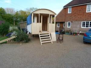 Shepherd Hut Completed.