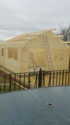 Installing The Berlin Cabin Roof Purlins