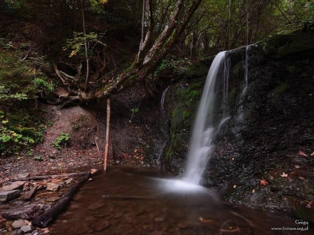 BIESZCZADY - wodospad Ostrowskich