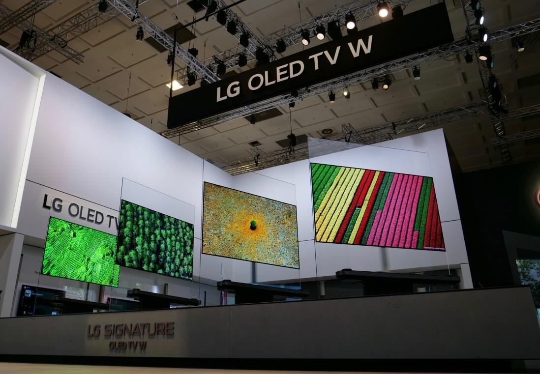 LG-SIGNATURE-TV-W_02