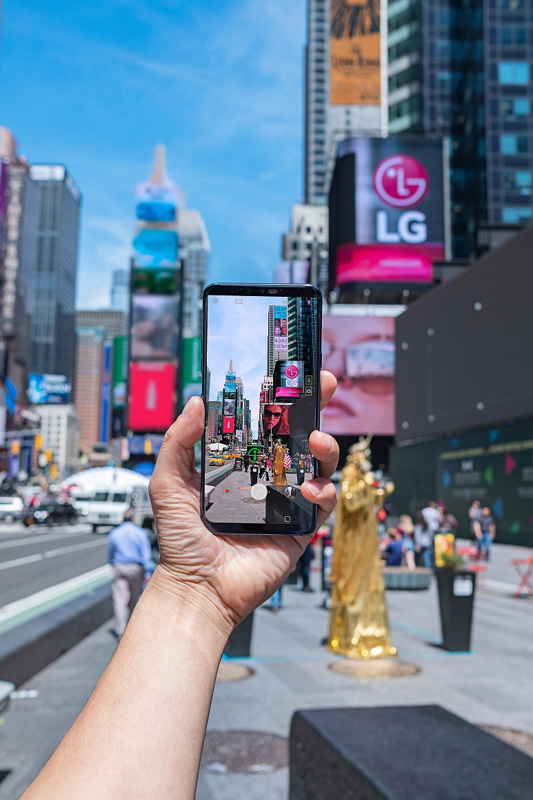 LG-G7-in-Action-04