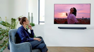 LG ThinQ Feature Story - Mother's Day 2-  IMAGE_LG-OLED-TV_WX-Cinema