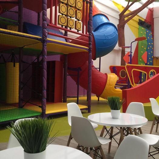 Nios inauguraron el moderno saln Mega Fiesta Tulancingo