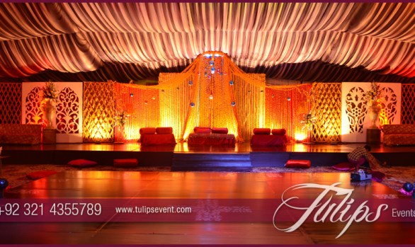 merigold mehndi stage decoration