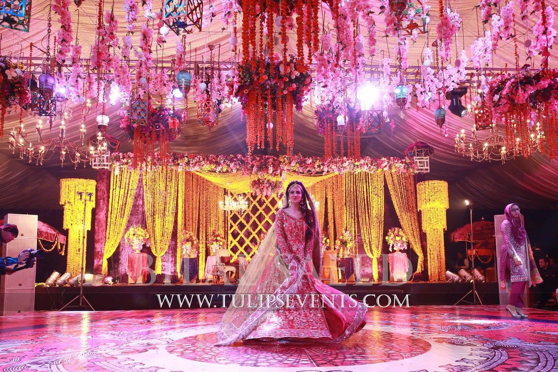 Mehndi Bride Entrance Ideas : Enchanted mehndi stage dance floor roof decoration ideas