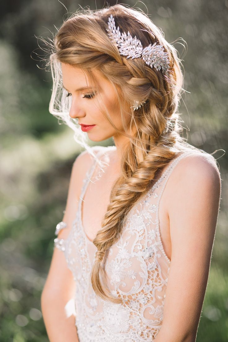 20 Fabulous Wedding Hairstyles for Every Bride  Tulle  Chantilly Wedding Blog