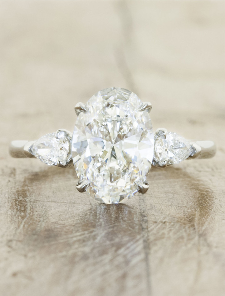 20 Gorgeous ThreeStone Engagement Rings You Will Want  Tulle  Chantilly Wedding Blog