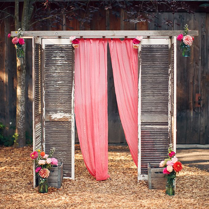 How to Decorate Your Vintage Wedding With Seemly Useless Ladders  Tulle  Chantilly Wedding Blog