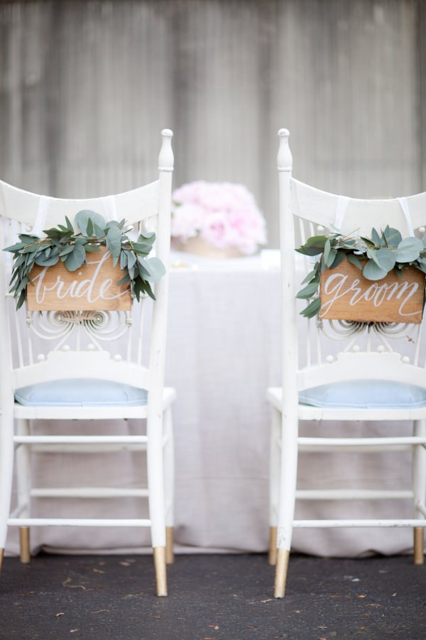 wedding bride and groom chairs glider rocking chair big lots 30 awesome sign decor ideas for tulle diy wooden