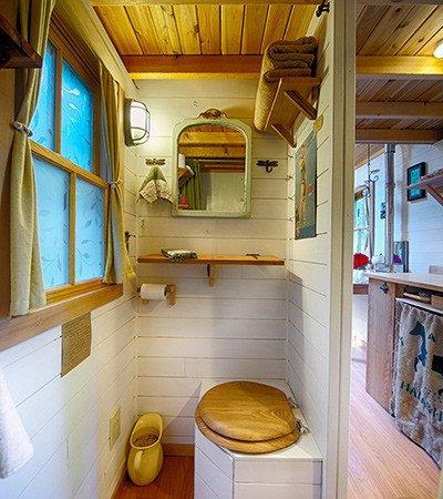 small bathroom design tip #1 - tumbleweed houses