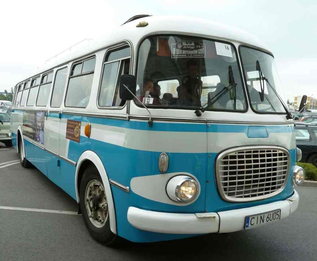 Autobus niebieski old bus coach yram Inowrocław PRL