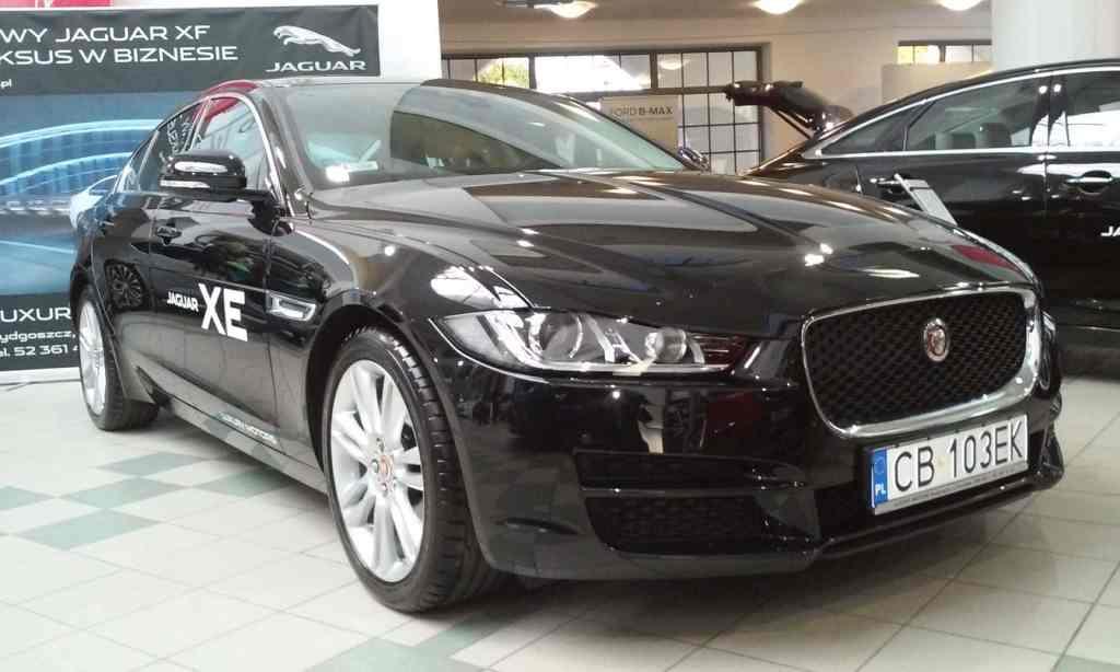 Targi Samochodowe Toruń 10.10.2015 Car Show Automobile Fairs Poland vehicle Jaguar