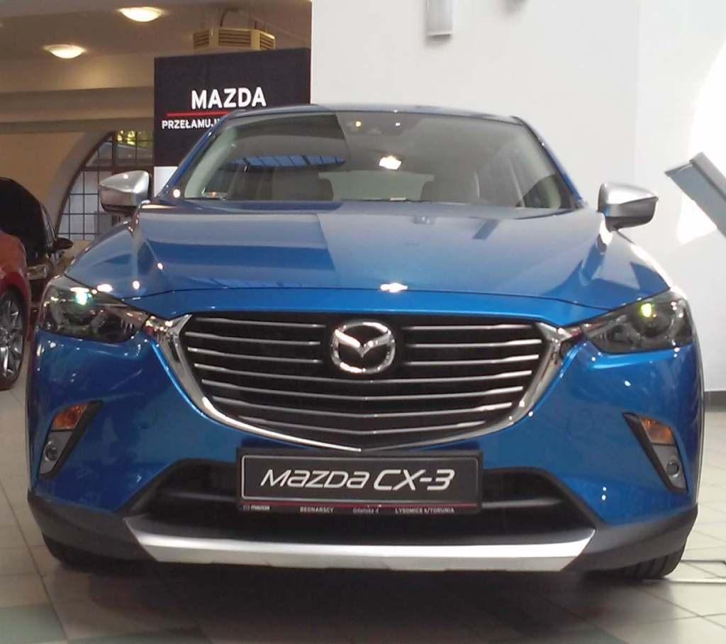 Targi Samochodowe Toruń 10.10.2015 Car Show Automobile Fairs Poland vehicle Mazda 3