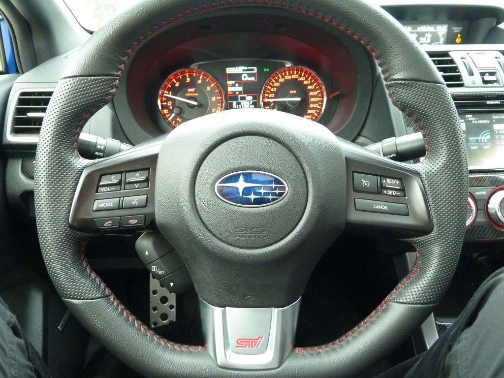 Subaru WRX STI Driving wheel kierownica Circle moteur