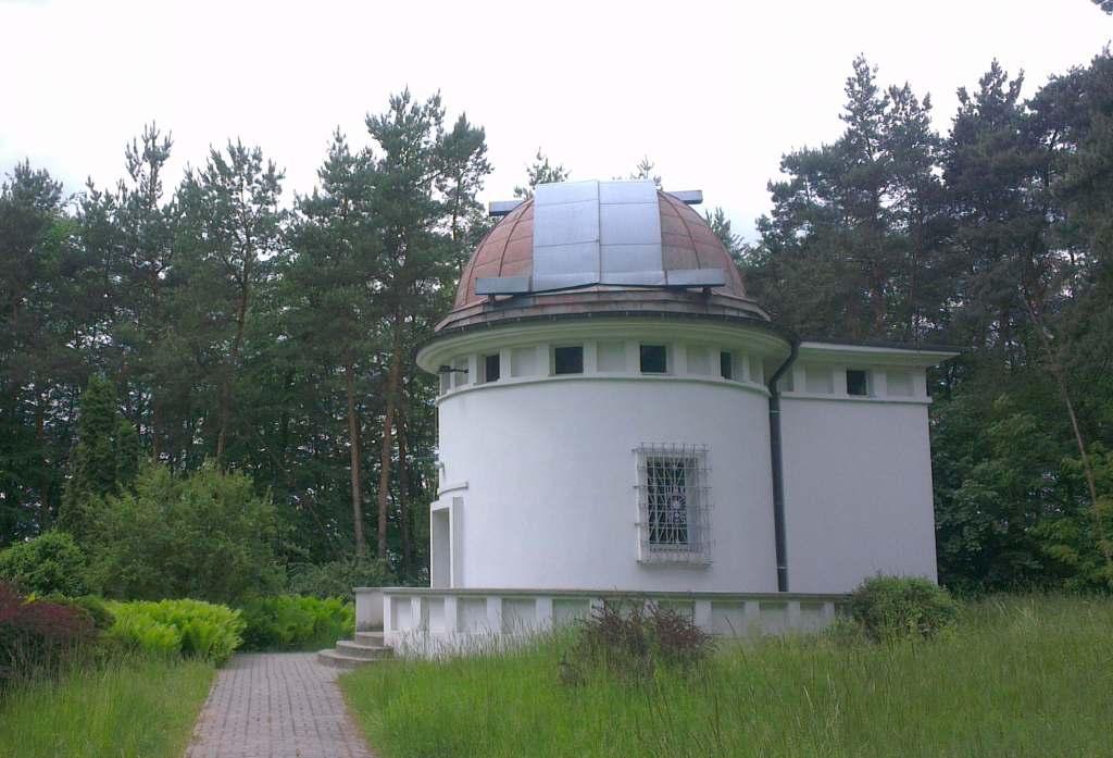 Copole Pawilon Obserwatorium Astronomiczne Piwnice Poland Kopuła Pavilion Space Observatory
