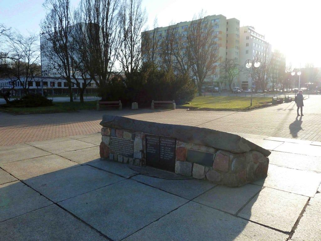 Pól bitewnych ZHP ZHR pomnik pamięci historia Inowrocław Jean Paul memorial war died Poland polish Gdynia Reykjavik Oslo