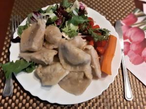 Weganskie pierogi kapusta potrawy przepisy sprawdzone master chef menu wegetarianskie vege vegan jarskie jedzenie przysmaki przekaski