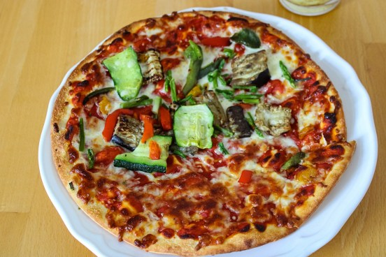 pizza zöldségekkel