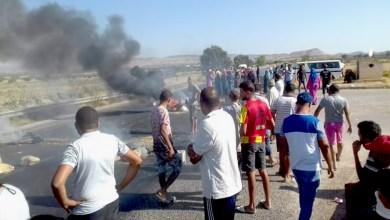 Photo of الشبيكة: احتجاجات للمطالبة بالماء وغلق الطريق