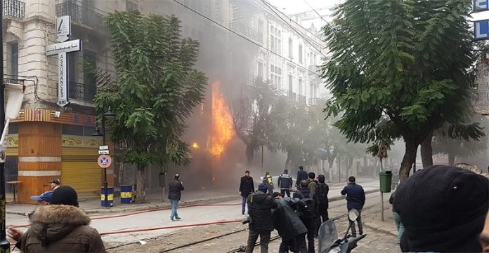 In video: A major fire at Carthage Avenue in Tunis, the Ministry of the Interior explains