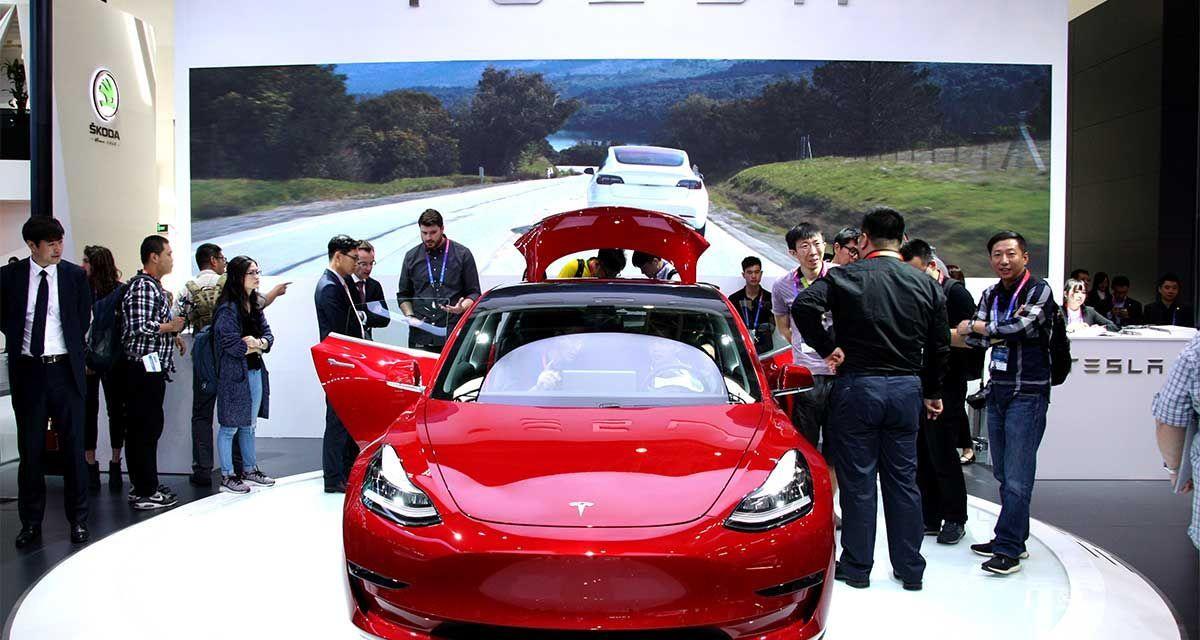 A l'Auto Show de Pékin 2018, le Stand Tesla en vedette
