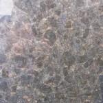 Black Forest Granite noire et jaune