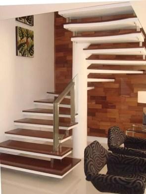 escalier helice suspondue