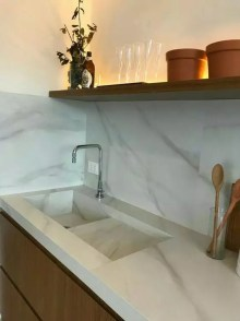 quartz carrara blanc