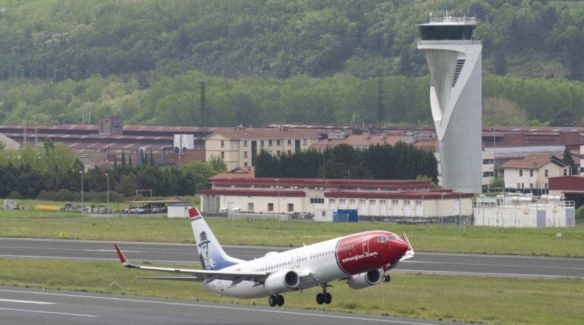 La CNMC insta a liberalizar los servicios aeroportuarios