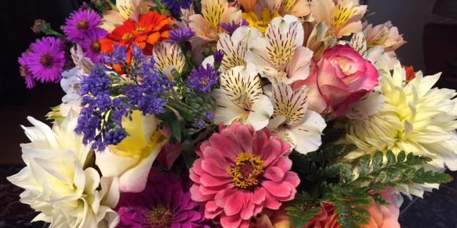 floral bouquet, cottage style