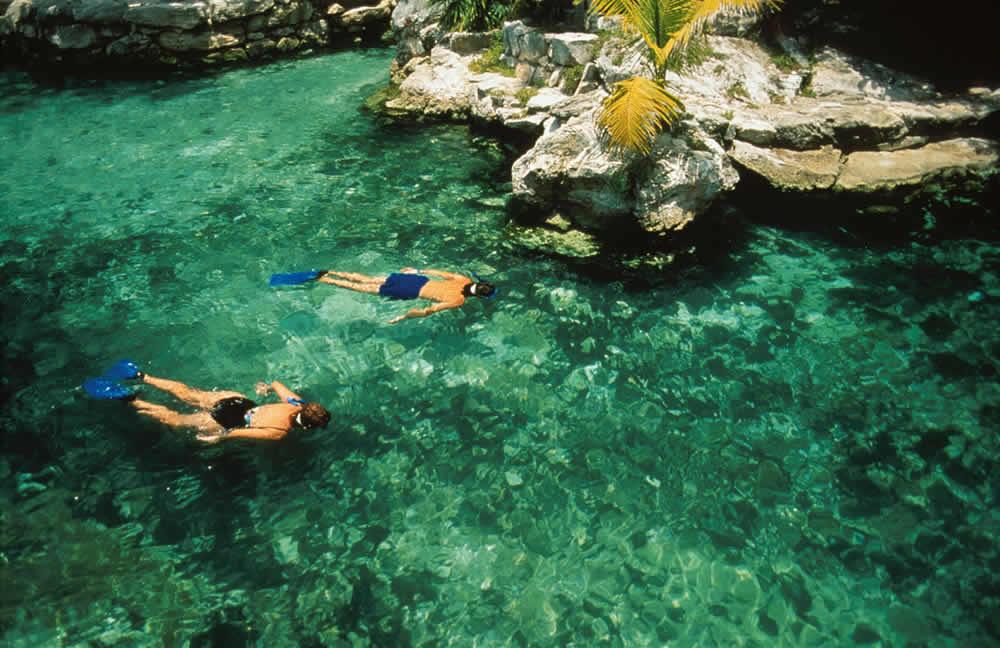 Arrecifes, Cenotes y Ríos Subterráneos en la Riviera Maya