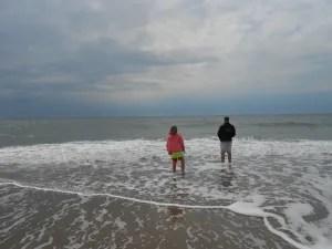 Danskere elsker ferie i Danmark. Den primære årsag til at vi holder ferie hjemme er for at besøge venner og familie og for at opleve natur og kystlivet. (arkivfoto)