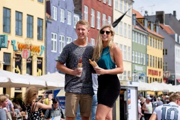 Turismen skaber arbejdspladser. Ikke kun for de ansatte på restauranterne i Nyhavn, men også i andre brancher. (Foto: CC/ Kristoffer Trolle/ https://www.flickr.com/photos/kristoffer-trolle/ )