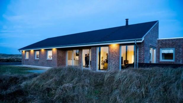 2017 gav rekord i antal overnatninger i Ringkøbing-Skjern. Turistchef Sebastian Schaper efterlyser dog mulighed for at bygge større huse. (Foto: Ringkøbing Fjord Turisme)