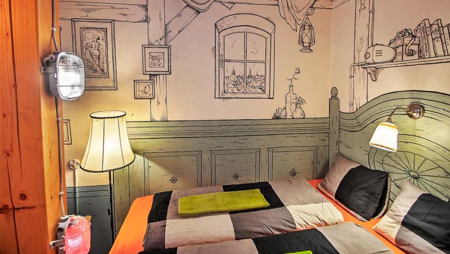 Lavender Circus Hostel har 18 helt forskellige værelser (PR-foto).