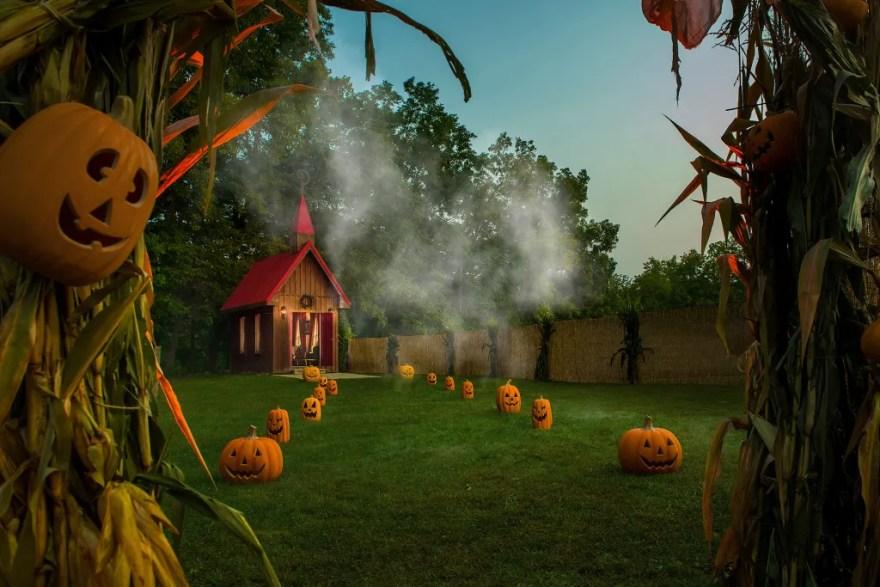 Da det er muligt at Halloween bliver aflyst i 2020, giver borgmesteren i Hell mulighed for alligevel at opleve den uhyggelige tradition. (Foto: Airbnb)