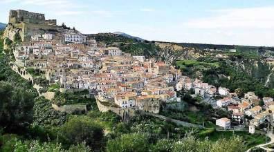 Il borgo di Rocca Imperiale