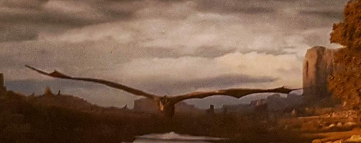 Charca del Barrueco de Arriba sobrevuelo del Dragón Drogon de Daenerys