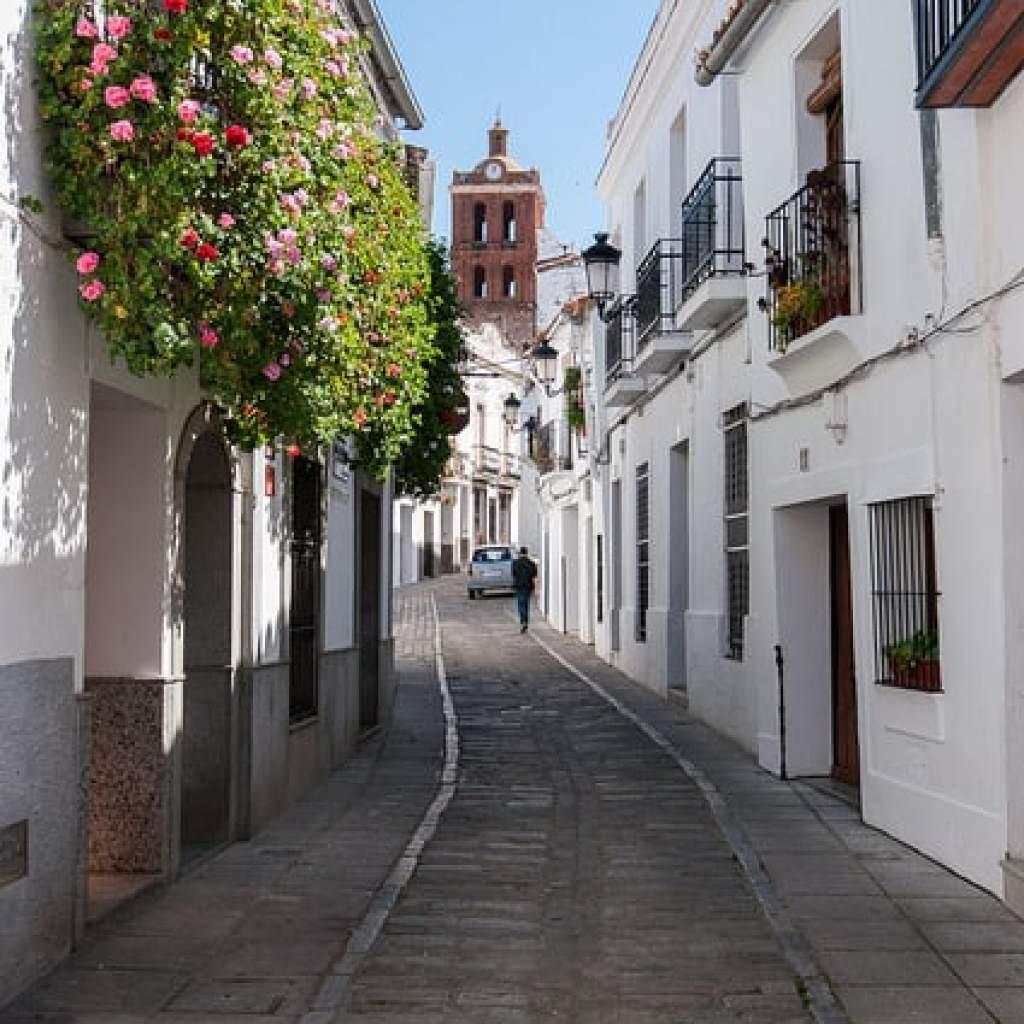 Calle-de-los-claveles-zafra-centro-de-interpretacion-conjuntos-historico-artisticos-badajoz