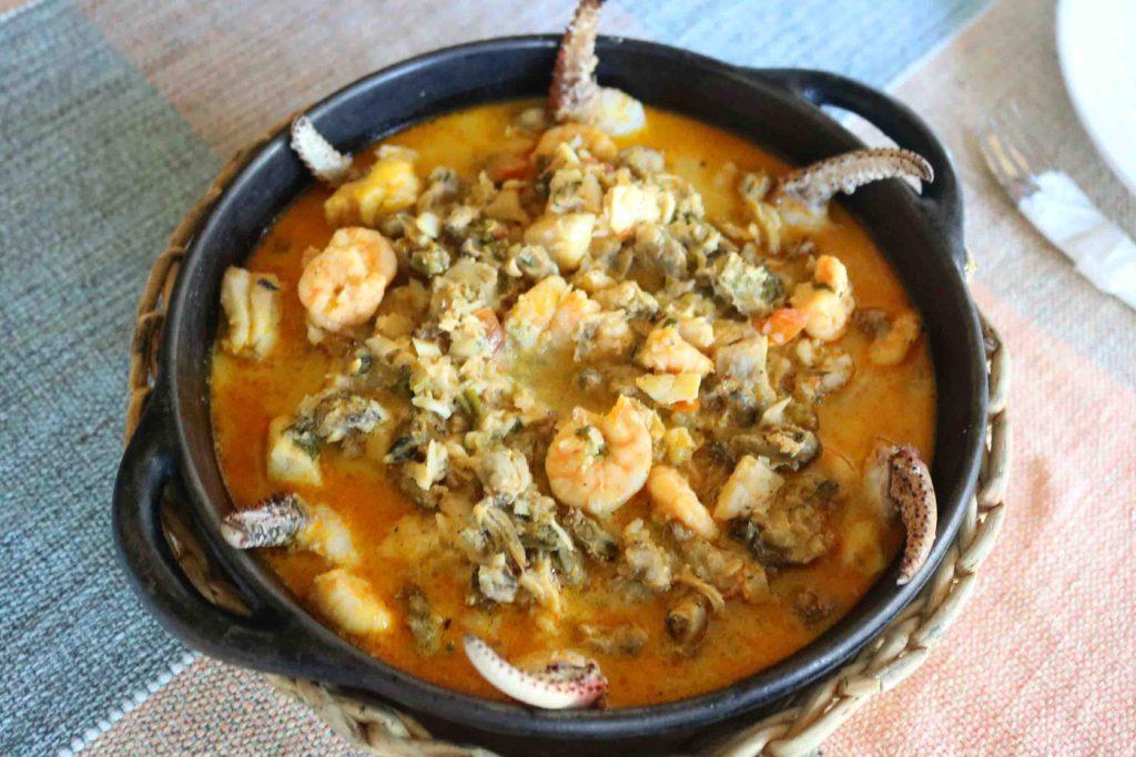 O que fazer na Rota das Emoções - Casa de Caboclo prato de camarões