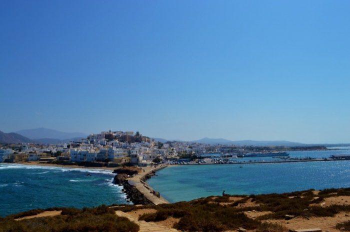 d7cd2502828 Esta é definitivamente uma das melhores coisas para se fazer em Naxos. É  ótimo andar pelos caminhos de paralelepípedos. Você pode tomar uma bebida  nos cafés ...