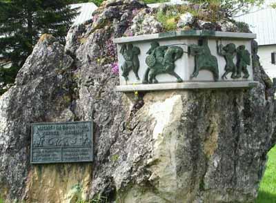 monumento-roncesvalles.jpg