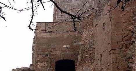 El Castillo de Monzon en Huesca 5