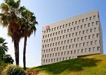 Abre sus puertas el hotel ibis Barcelona Santa Coloma