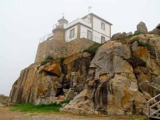 Faro de Cabo Prioriño o también conocido como Faro de Prioriño Chico, encendido por primera vez en 1854