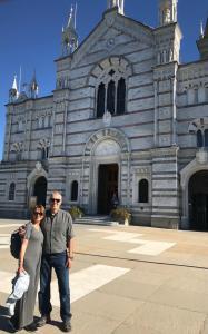 Horacio, el autor de la nota, y Andrea, su esposa, en  Nuestra Señora de Montallegro