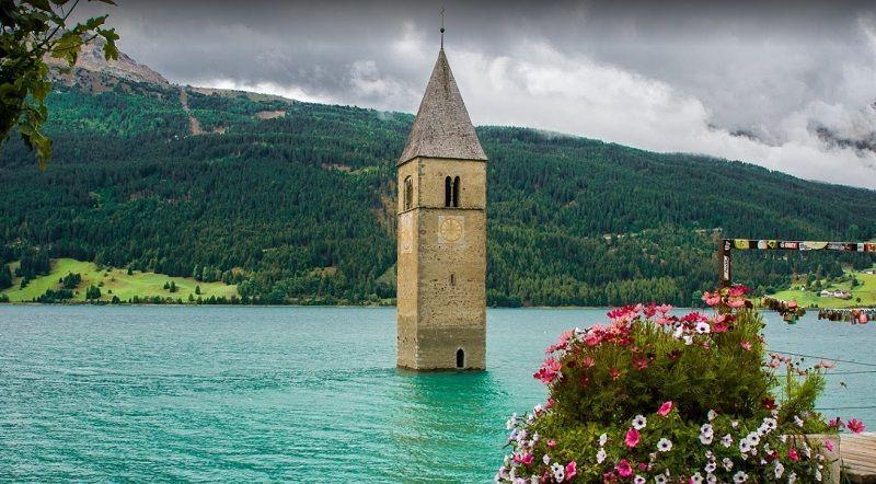 Campanario de Curon, Reschensee, Valle de Venosta, Bolzano, Europa